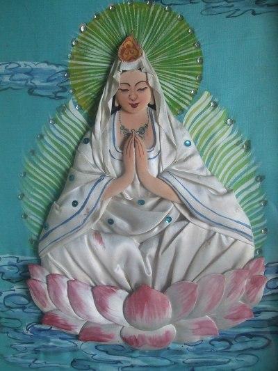 Tượng Phật Quan Thế Âm Bồ Tát bằng lụa (Hồng Sinh)